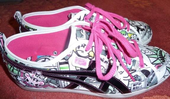Tokidoki x Onitsuka Tiger Manga/Black Shoes w/pink laces
